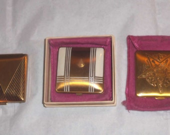 Hold/DECO Flapper Vintage Compact Trio ~American Beauty Powder Lot w/ Enamel College Seal + BOX ~UNUSED 1920s Vanity Cases ~Great Gifts!