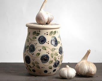 Garlic keeper, Garlic holder, onion storage, Garlic jar, pottery garlic keeper, floral garlic keeper