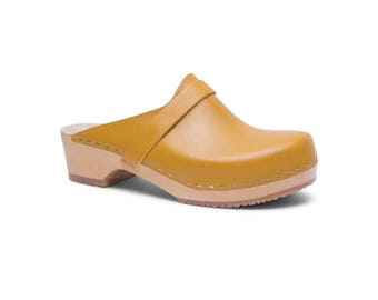 NEW Handmade Clogs / Leather Sandals / Womens Slippers / Wooden Clogs / Summer Shoes / Womens Clogs / Handmade Sandals / Sandgrens / Tokyo