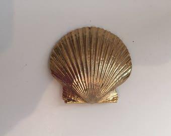 Vintage Seashell Brooch / Pin