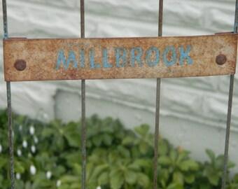 Rustic baker's rack / Millbrook bakers display rack