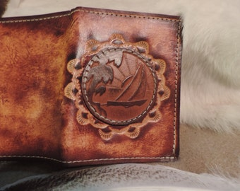 Traditional mans Tri fold wallet with Sailboat leather applique