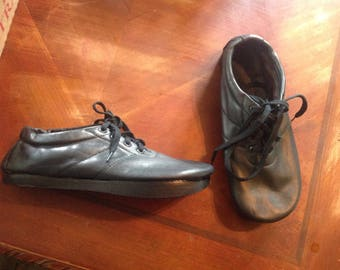 vintage Anne kalso earth shoes leather negitive heel women's 5 5.5 6 6.5 7 7.5 8  mens 11. 11.5. 12. 12.5. 13. pick 1 new old   deadstock.