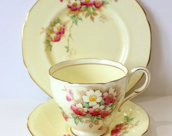Vintage China Tea set - Beautiful Paragon Trio c1939