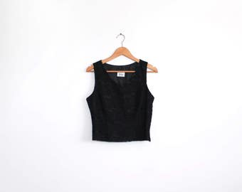 Black vintage lace shell tank top with v neckline