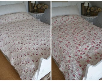 Antique faded roses quilt, reversible