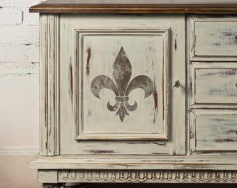 FLEUR DE LYS Wall Floor Furniture Stencil French Single Motif Stencil - FL003