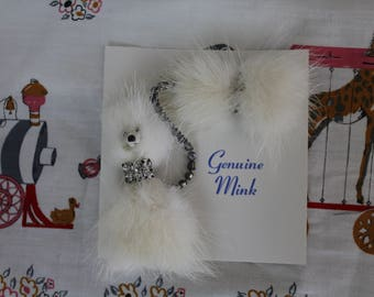 Super Cute NOS 50's Rockabilly real Mink fur Poodle dog Pin Brooch rhinestone chain and Bow Pinup sweater guard