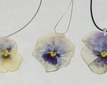 """Collier à pendentif végétal pensée véritable violette <> collection """"Dame nature"""" <> bijou mariage <> fait main en France"""