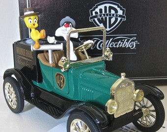 Ertl Collectable/ Warner Bros. Sylvester and Tweety/ 1918 Ford Runabout