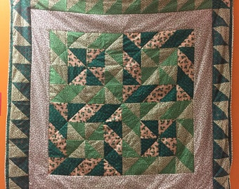 SALE The Evergreen Grinch Quilt