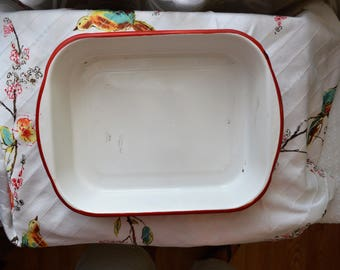 Vintage red and white enamel baking pan          FREE SHIPPING within the US