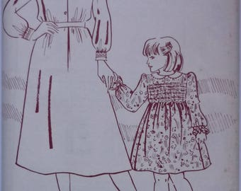 Vintage sewing pattern. Womans Weekly B947. dress pattern Multi sized pattern. FF unused