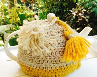 "Tea Cosy ""Bee Hive"" (yellow, cream), Medium crochet tea cosy, tea pot cozy, tassels, 100% wool"