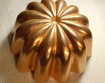 Copper tinted jello mold  3.5 cups