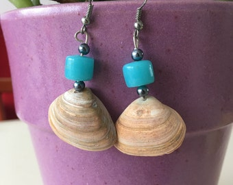 Shell handmade craft earrings with blue beads one piece