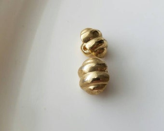 Vintage knobbed gold buttons. Lot of 2. (Feb31)