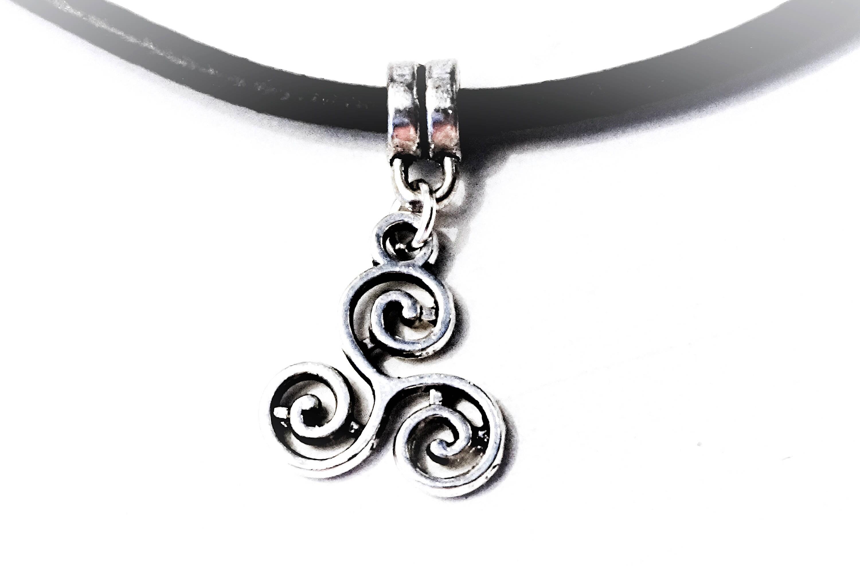 Bdsm symbol submissive collar choker triskele triskelion zoom biocorpaavc Gallery