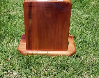 custom  made cedar urns