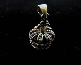 Vintage Estate .925 Sterling Silver Crown Pendant 3.0g E1629