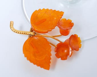 Vintage pressed Baltic amber brooch, flowers Kaliningrad amber factory 1960-1980 (DZ)