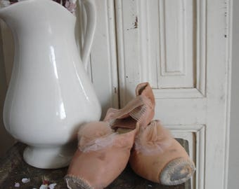 Old Pointe Shoes / ballet shoes