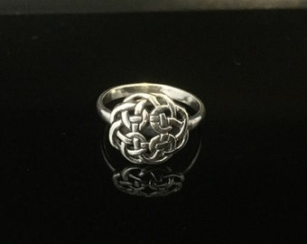Celtic Knot Ring // 925 Sterling Silver // Hand Cast // Various Sizes