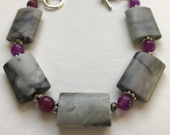 """Picasso stone bead Bracelet w purple beads and silver accents w silver toggle clasp, for 7"""" wrist"""