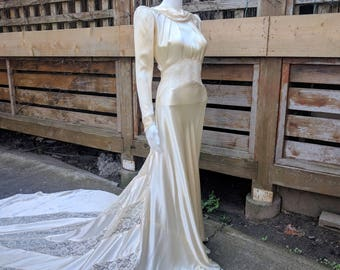 Vintage 1930's Beautiful Ivory Liquid Satin And Lace Cathedral Train Wedding Dress Bridal Gown