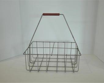 Vintage Metal Milk Carrier, Wire Milk Bottle Holder, Divided Storage with Handle, Decorative Metal Basket