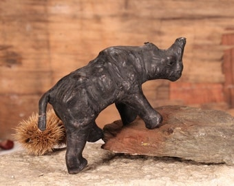Rhino Figurine, Leather Rhinoceros Figurine, Vintage Rhino Sculpture, Old Rhinoceros, African Wild Animal, Barn Decor