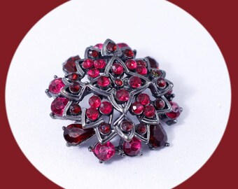 Vintage Brooch Red Rhinestone Brooch Vintage Brooch Vintage Jewelry Trendy Jewelry Costume Jewelry Gift For Mom Unique Gift Boho Jewelry