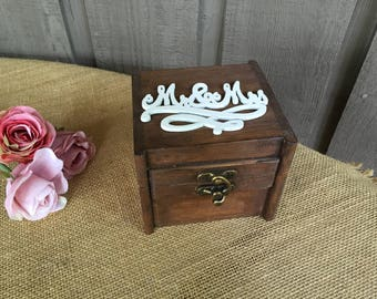 Mr and Mrs ring box/ Rustic ring bearer box/ ring bearer box/ woodland ring box/ wedding ring box/ wedding ring bearer box/woodland wedding