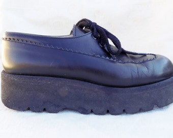 90s Black leather wedge shoes Myrys French soft leather grunge 90s lace up shoes eu39 uk6 usa8.5?