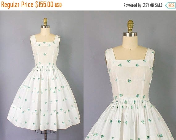 SALE 15% STOREWIDE 1950s floral sundress/ 50s Jerry Gilden cotton dress w/ embroidered blue flowers/ small