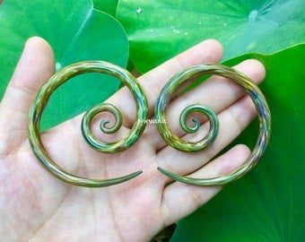 "1 Pair (2 Pieces) Mega Super Spiral Gauges in Exotic Green 10g 8g 6g 4g 2g 0g 00g 7/16"" 1/2"" 9/16"" 5/8""  3 mm 4 mm 5 mm 6 mm 8 mm  - 16 mm"