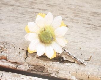 Bridal Hair Pin, Wedding Hairpin, daisy flower Hair Pin, flower Bobby Pin, Hair Pin  fairy dress up, daisy hair pin