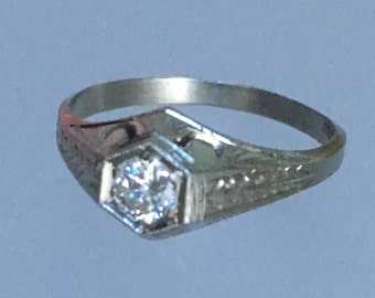 Art Deco GVVS2 .25ct Diamond and 14k White Gold Solitaire Engagement Ring. Size 6.75. Antique / Vintage / Estate.