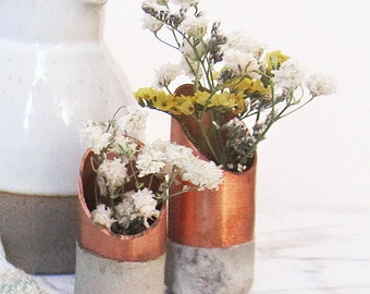 Minimalist Copper and Concrete Flower Vase - Small Flower Vase - Plant Holder - Small Objects - Table Centerpiece