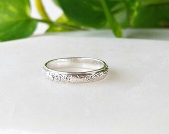 Sterling Silver Ring - Band ring -  Grape vine Ring - Stackable ring - Statement ring - Handmade