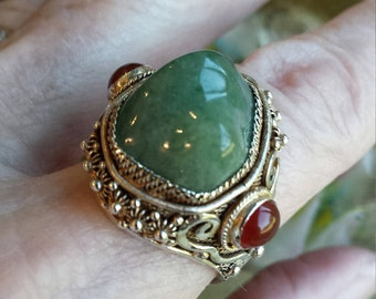 Sterling silver jade ring size 8-8 1/4