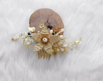Bridal Hair Comb-Pearl Hair Comb-Pearl Wedding Headpiece-Golden Hair Comb-Pearls and Crystal Hair Comb