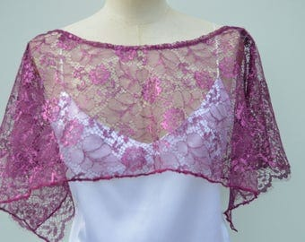 Cache shoulder lace raspberry, raspberry cape, poncho lace