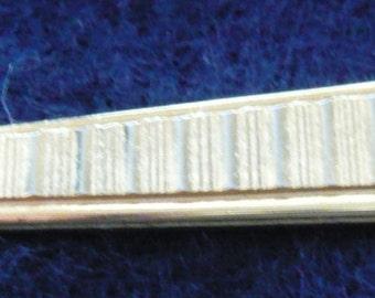 1980s Tie Clip - Retro Diamond Cut Arrow Ended