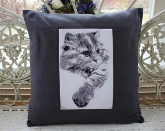 Pillowcase cat embroidery motif