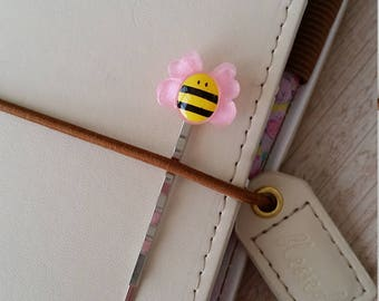 Pretty Bee Planner Pin / Planner Decoration / Decorated Bobby Pin / Travelers Notebook Pin