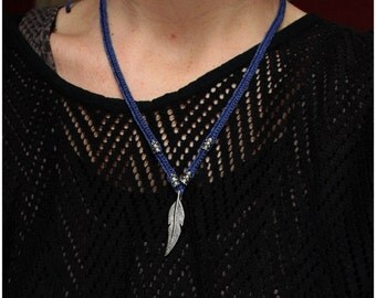 SALES !!Feather Necklace - Tribal - Ethnic - Boho - Boheme - Native American - Macrame - Travelling - Mystic - Pixies - Fairy - Festival
