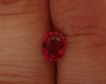 Red spinel 1.2 carats Vietnam