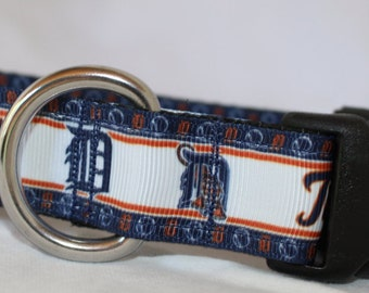 "Detroit Tigers Dog Collar - Side Release Buckle (1"" Width)  D-Ring Martingale Option Available"