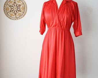 Lady-in-Red 70s wrap dress, Animal print Cherry red Disco dress, California Looks, Small 3876
